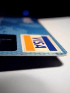 Estudiar con tarjeta de crédito (tarjeta de crédito1 225x300)
