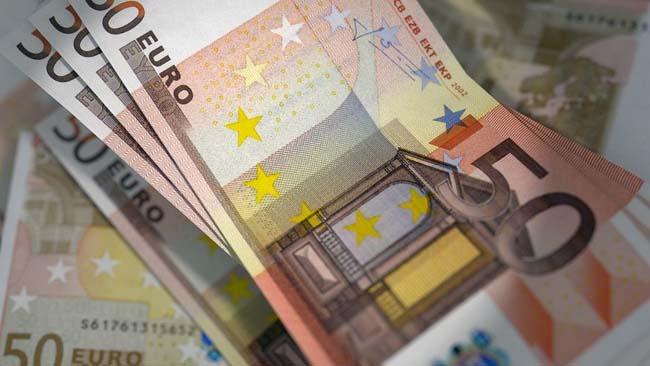 Dinero y nuevos productos bancarios